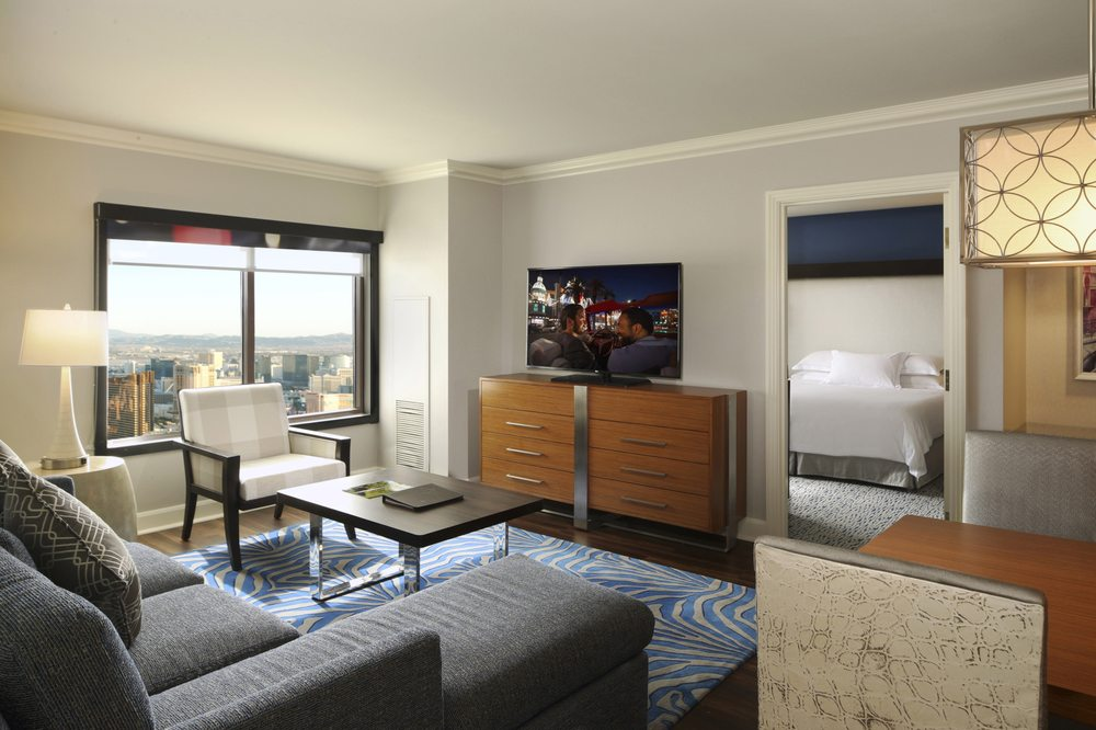 Two bedroom suite living room yelp - Vegas 3 bedroom suites on the strip ...