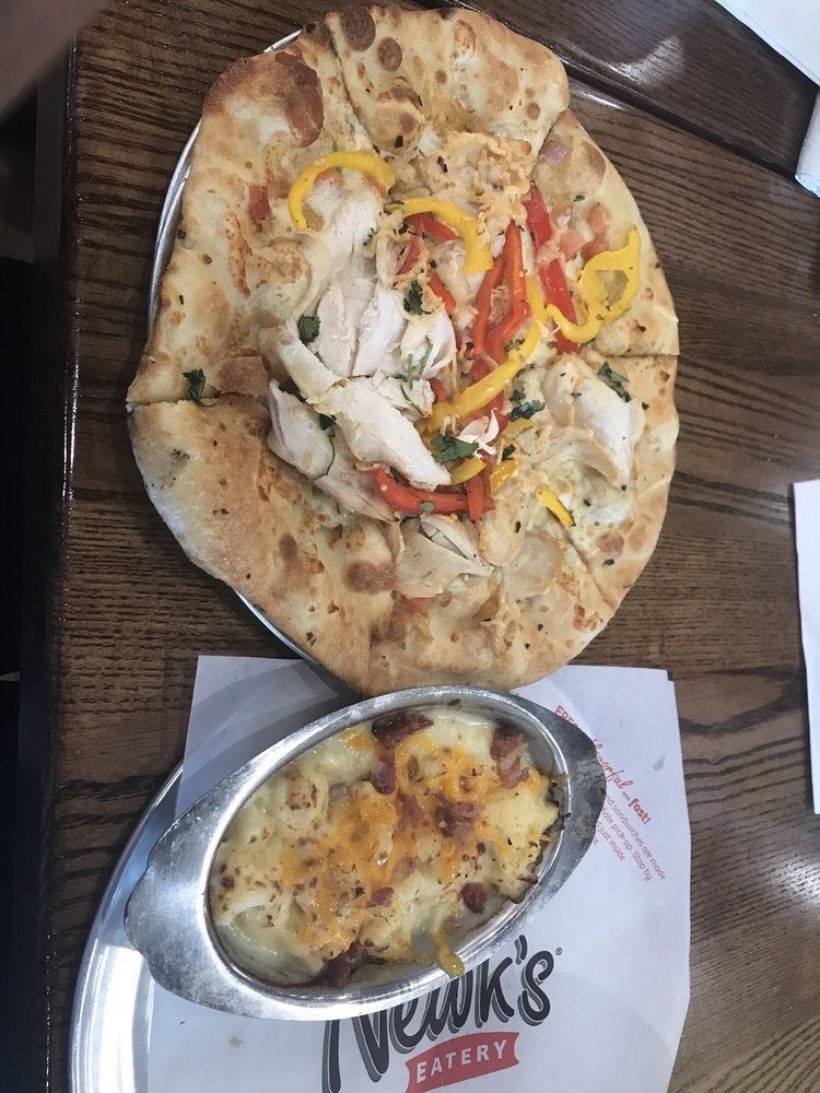 Newk's Eatery: 3001 Mall Dr, Texarkana, TX