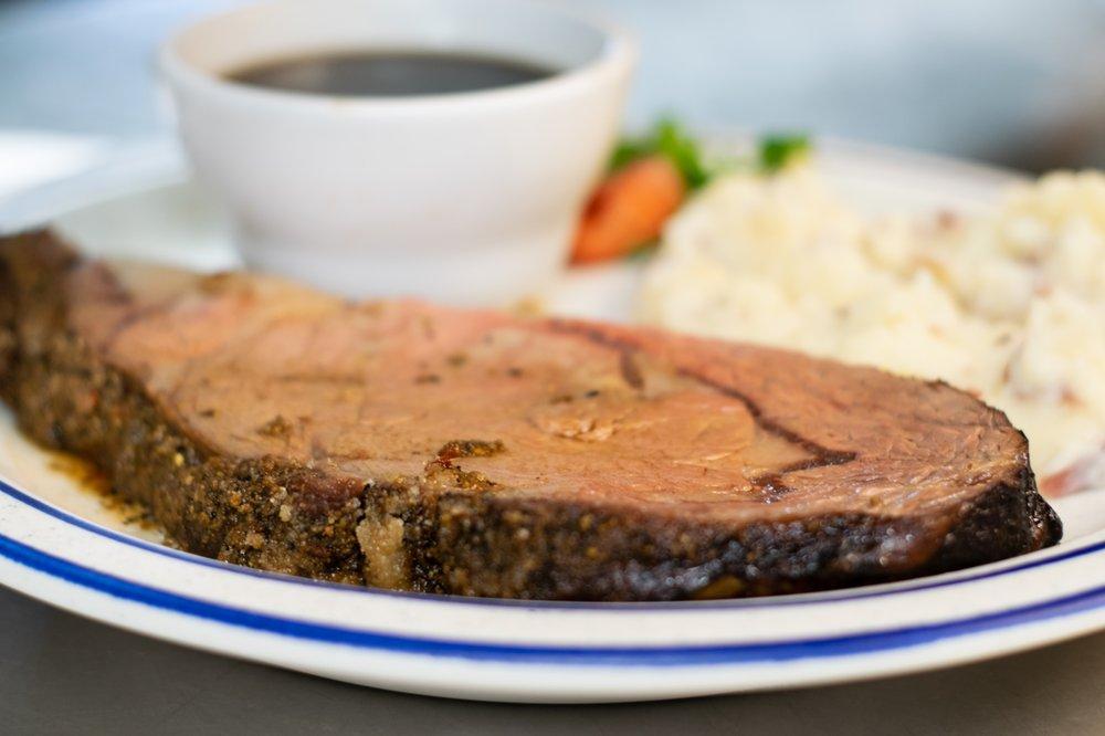 Burke's Waterfront Restaurant: 2403 Sunnyside Dr, Cadillac, MI