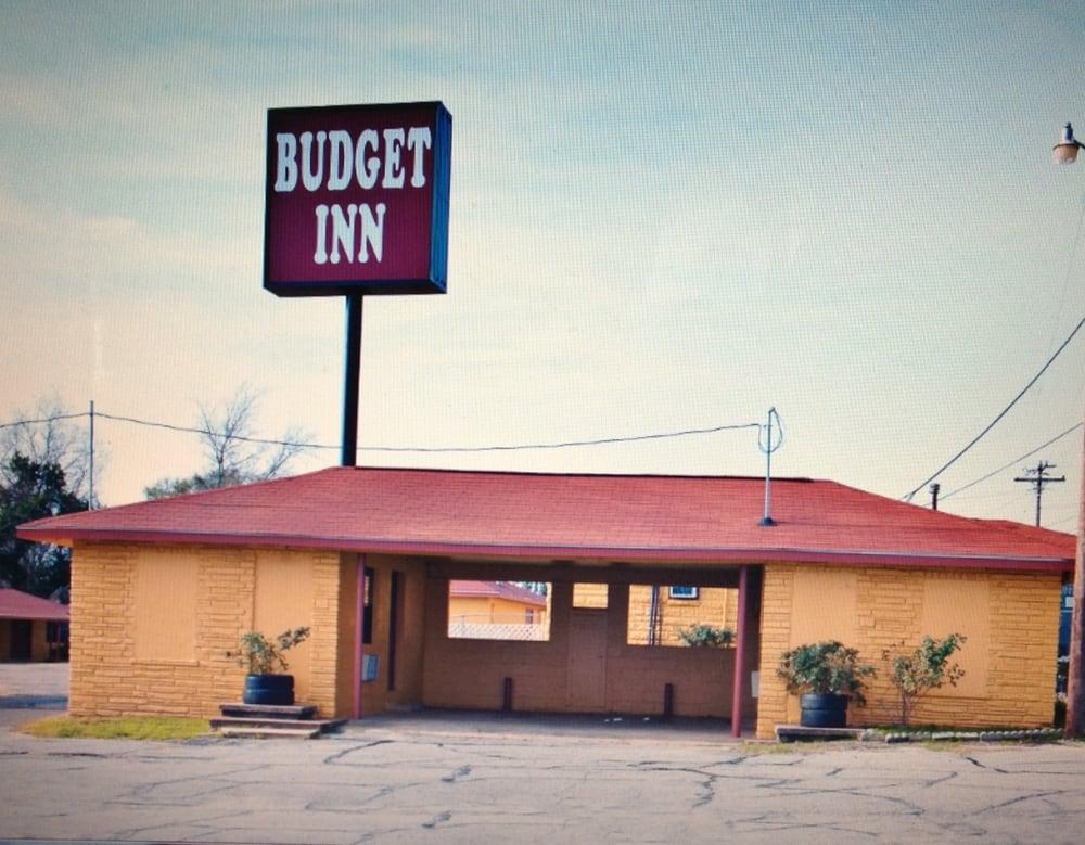 Budget Inn: 336 W Commerce St, Buffalo, TX