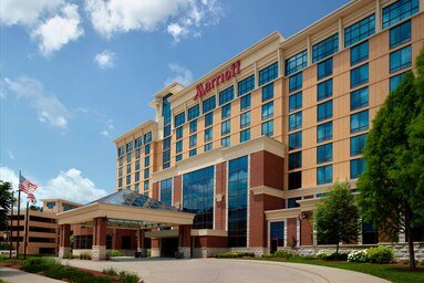 Bloomington-Normal Marriott Hotel & Conference Center: 201 Broadway Ave, Normal, IL