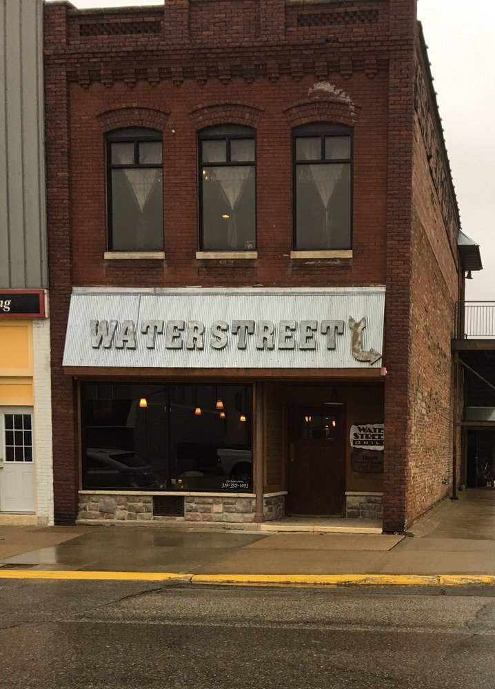 WaterStreet Grill: 102 W Bremer Ave, Waverly, IA