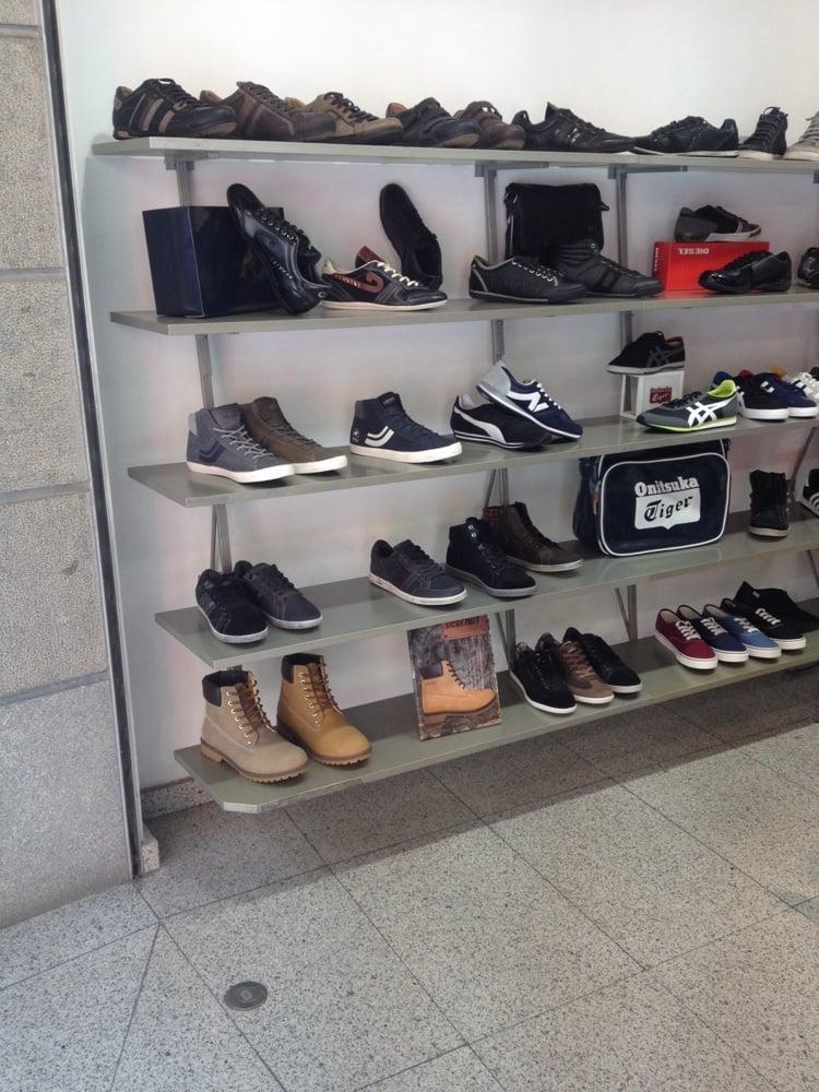 vives magasins de chaussures carrer major 19 palam s girona espagne yelp. Black Bedroom Furniture Sets. Home Design Ideas