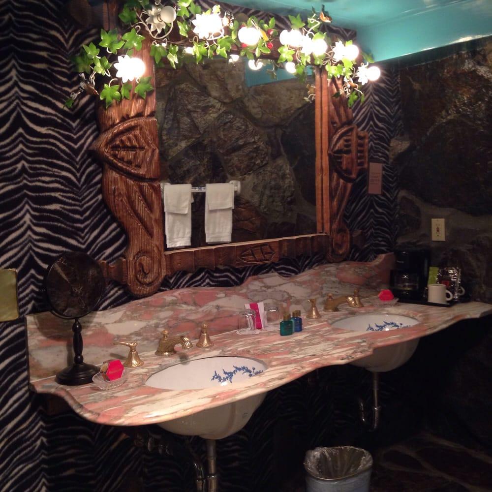 Madonna Inn Room Service