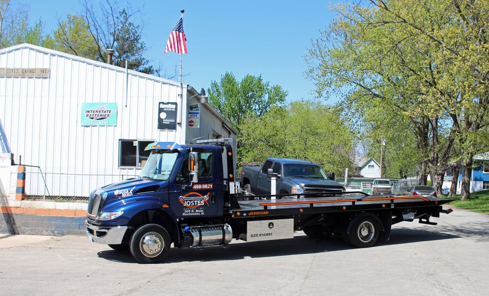 Towing business in Canton, IL