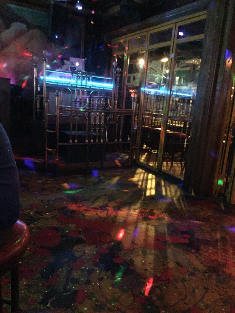 Scarlet's Saloon