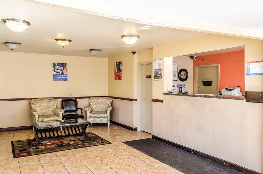 Motel 6: 1101 Industrial Pkwy, Saraland, AL