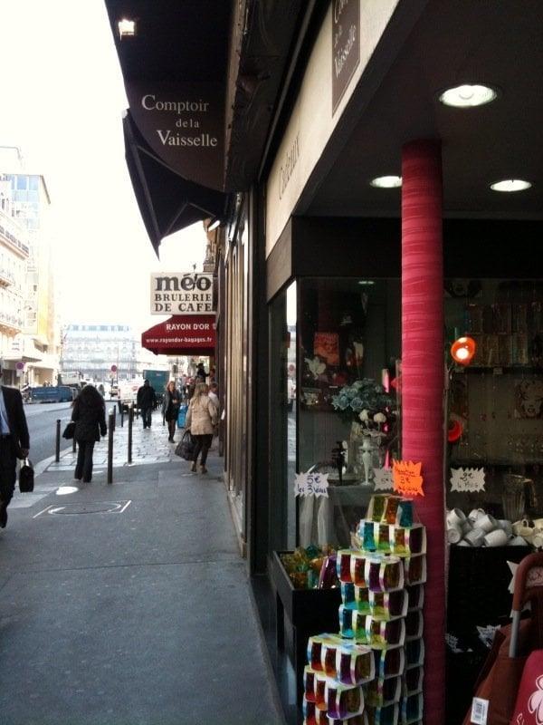 comptoir de la vaisselle decora o 97 rue saint lazare. Black Bedroom Furniture Sets. Home Design Ideas