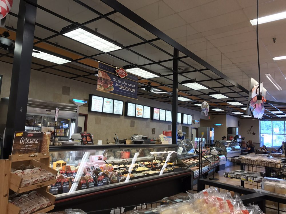 Food City: 215 Cassidy Blvd, Pikeville, KY
