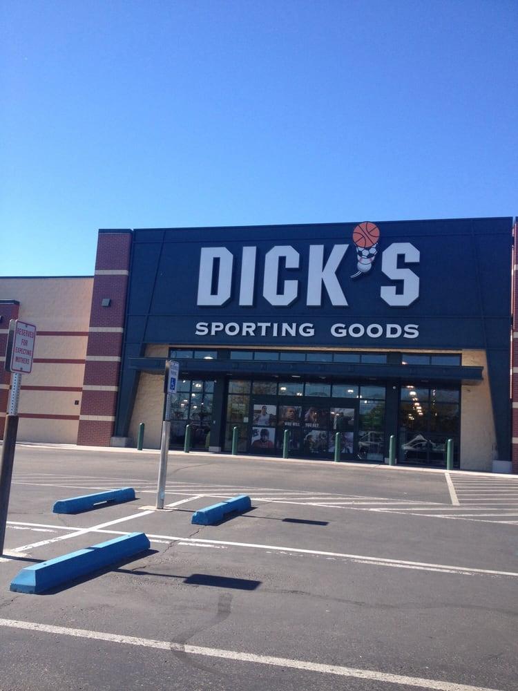 Dicks Sporting Goods - Sports Wear - 131 N Milwaukee St -6867