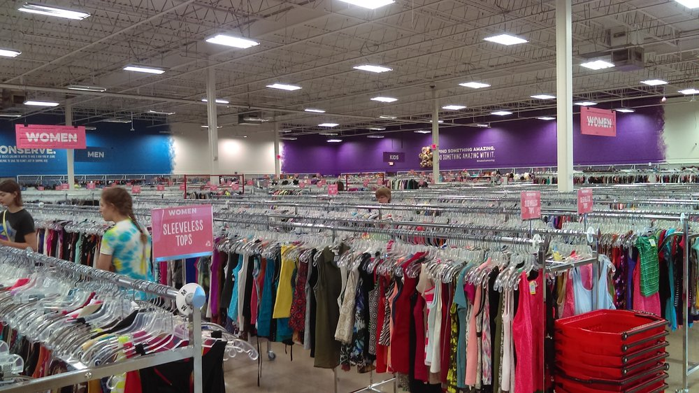 Savers: 3326 W Division St, St Cloud, MN