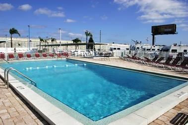 Travel World RV Park: 12400 US Hwy 19 N, Clearwater, FL