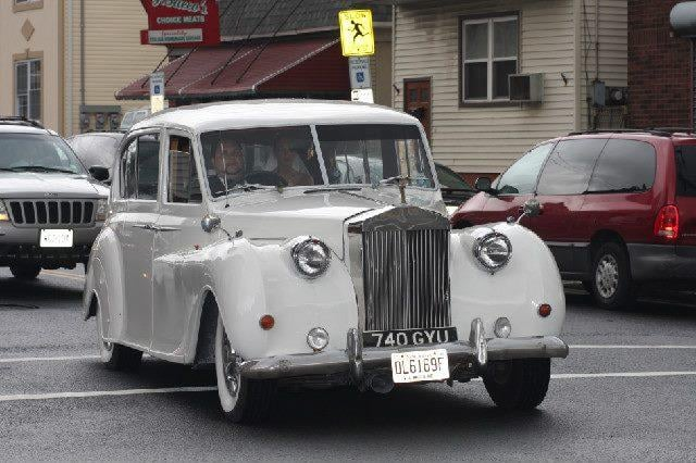 Alan's Limousine Service: 20 Watchung Rd, East Brunswick, NJ