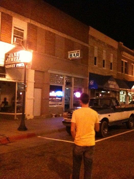 Harvey's Inn Bar: 88 9th Ave, Sidney, NE