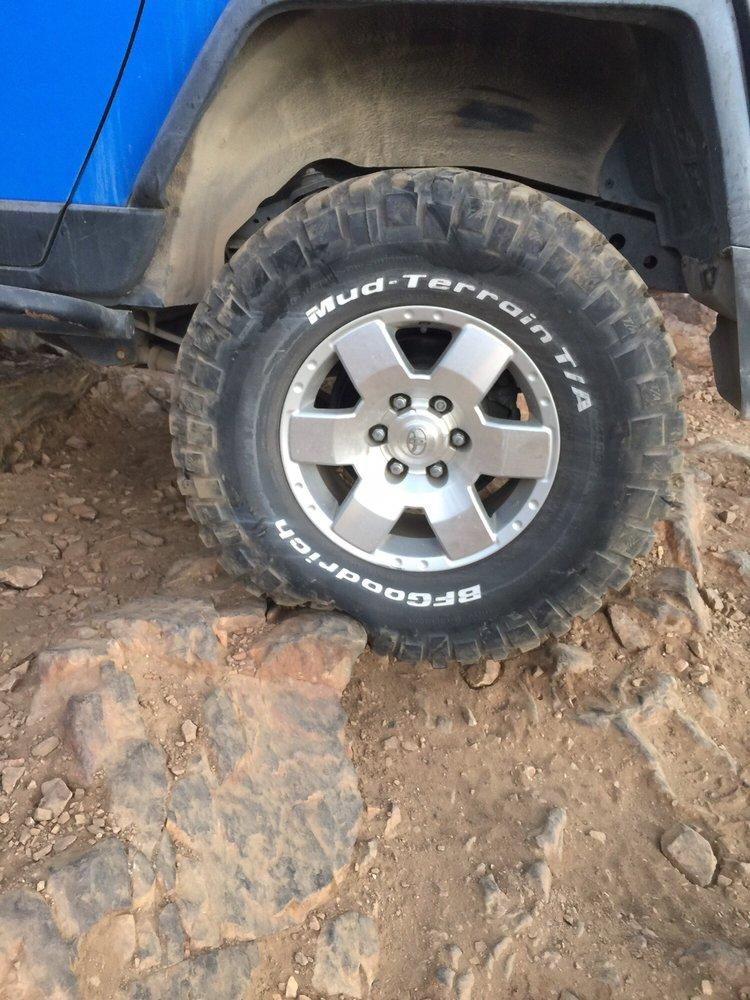 Gino's Tire and Wheel: 320 W Big Bear Blvd, Big Bear City, CA