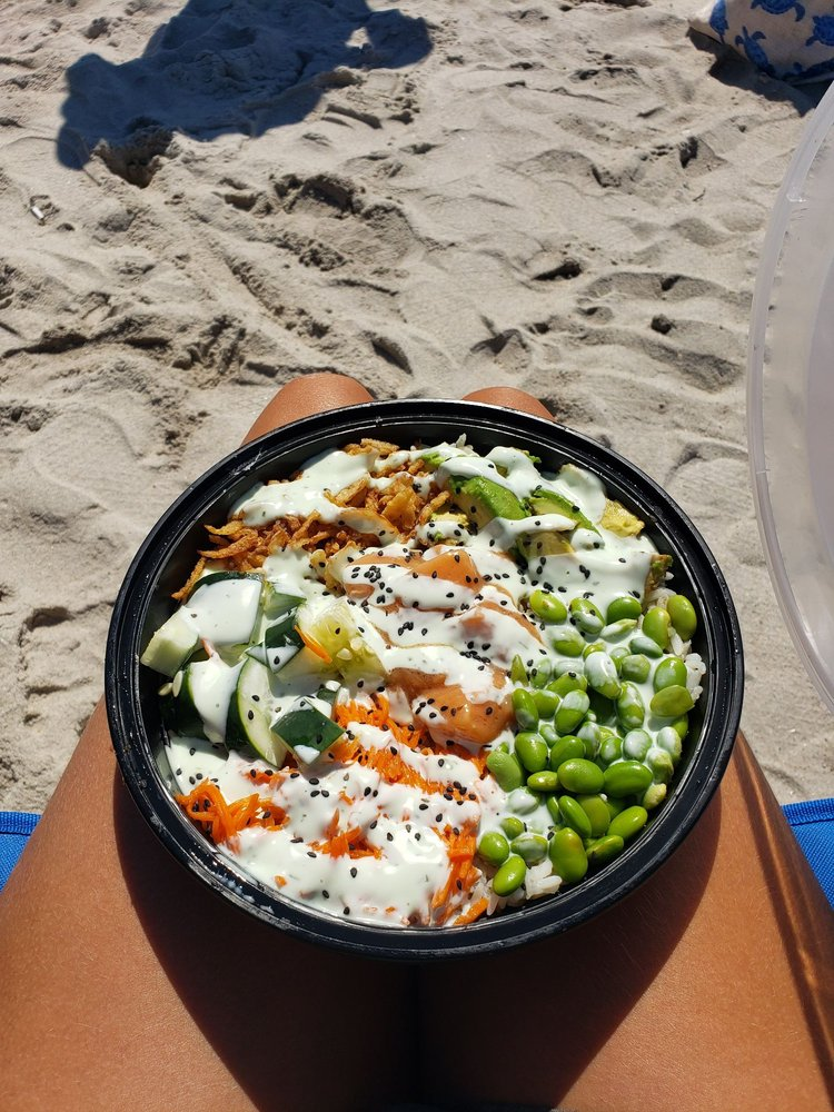 Salt Shack Seaside Grille: Cedar Beach Ocean Pkwy, Babylon, NY