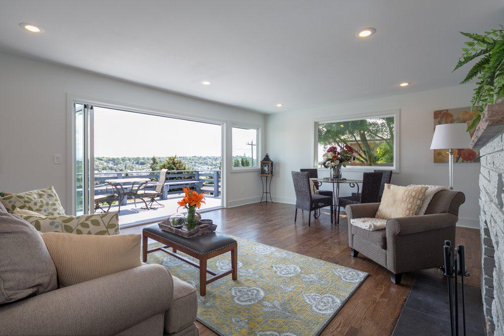 Zach McDonald - Real Property Associates: 7500 Roosevelt Way NE, Seattle, WA