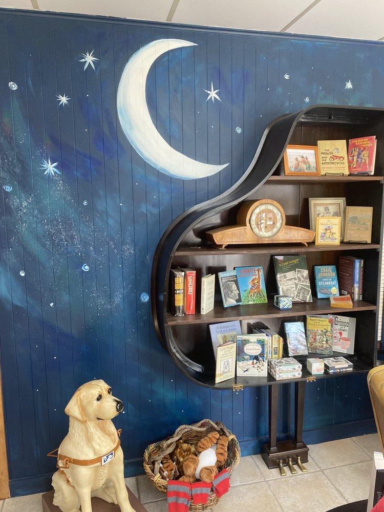 Rhythm & Co. Books: 101 Elm St, Glen Rose, TX