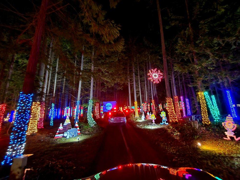 The Lights of Christmas: 20800 Marine Dr, Stanwood, WA