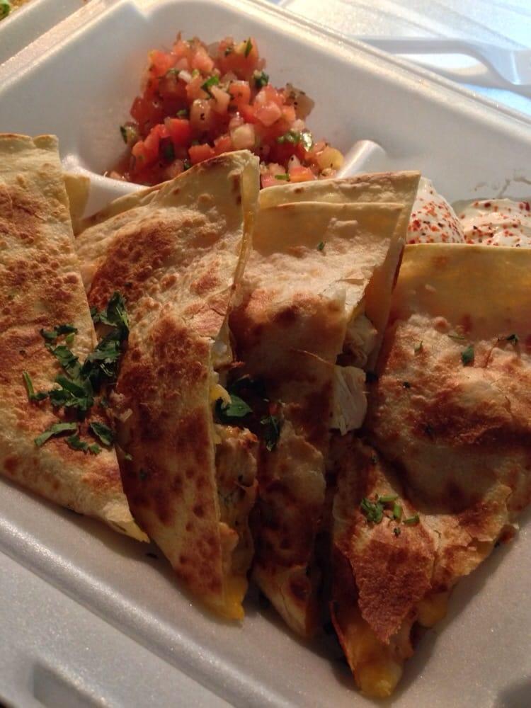 Chicken quesadillas yelp for Wahoo fish taco
