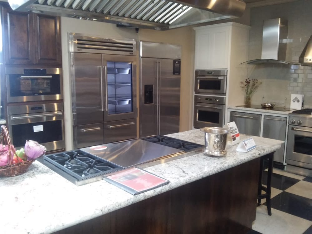 one of our seven working kitchens in the mchenry showroom yelp. Black Bedroom Furniture Sets. Home Design Ideas