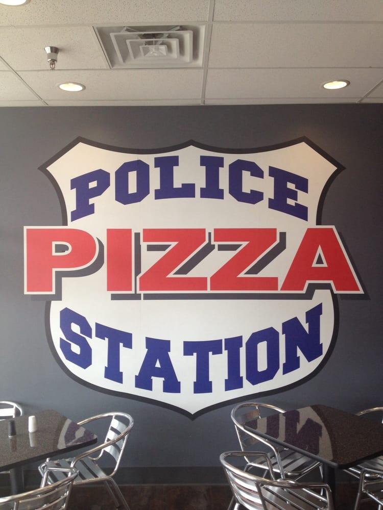 police station pizza 10 fotos 17 beitr ge pizza. Black Bedroom Furniture Sets. Home Design Ideas