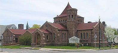 Pullman Memorial Universalist Church: 10 E Park St, Albion, NY