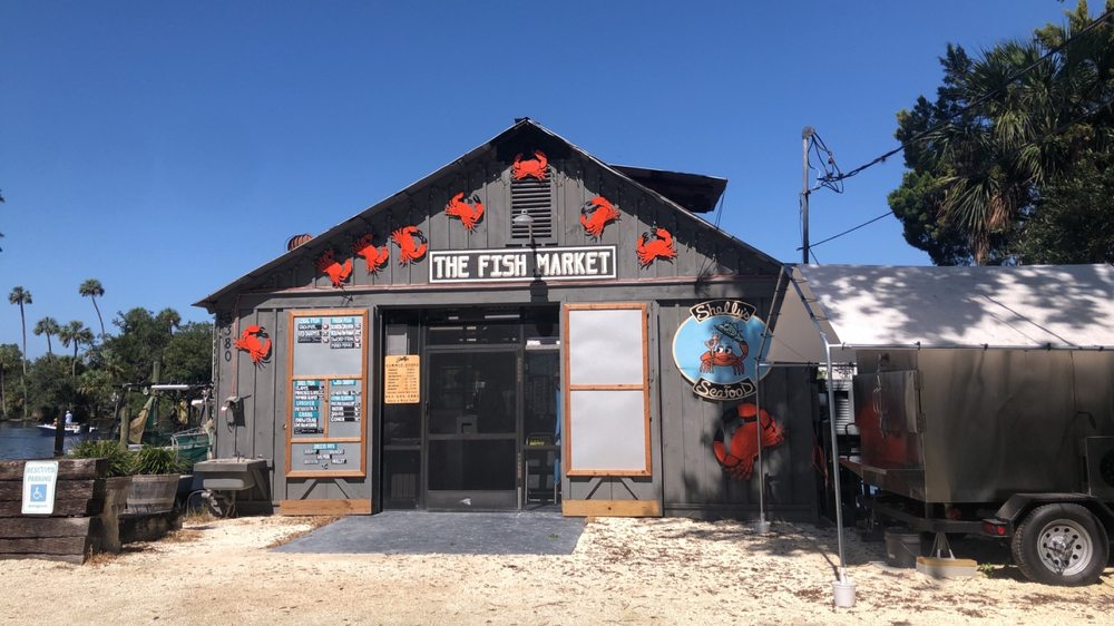 Shelly's Seafood & Fish Market: 5380 S Boulevard Dr, Homosassa, FL
