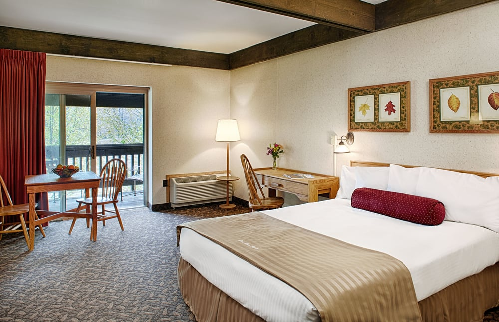 Mohican State Park Lodge & Conference Center: 1098 County Road 3006, Perrysville, OH