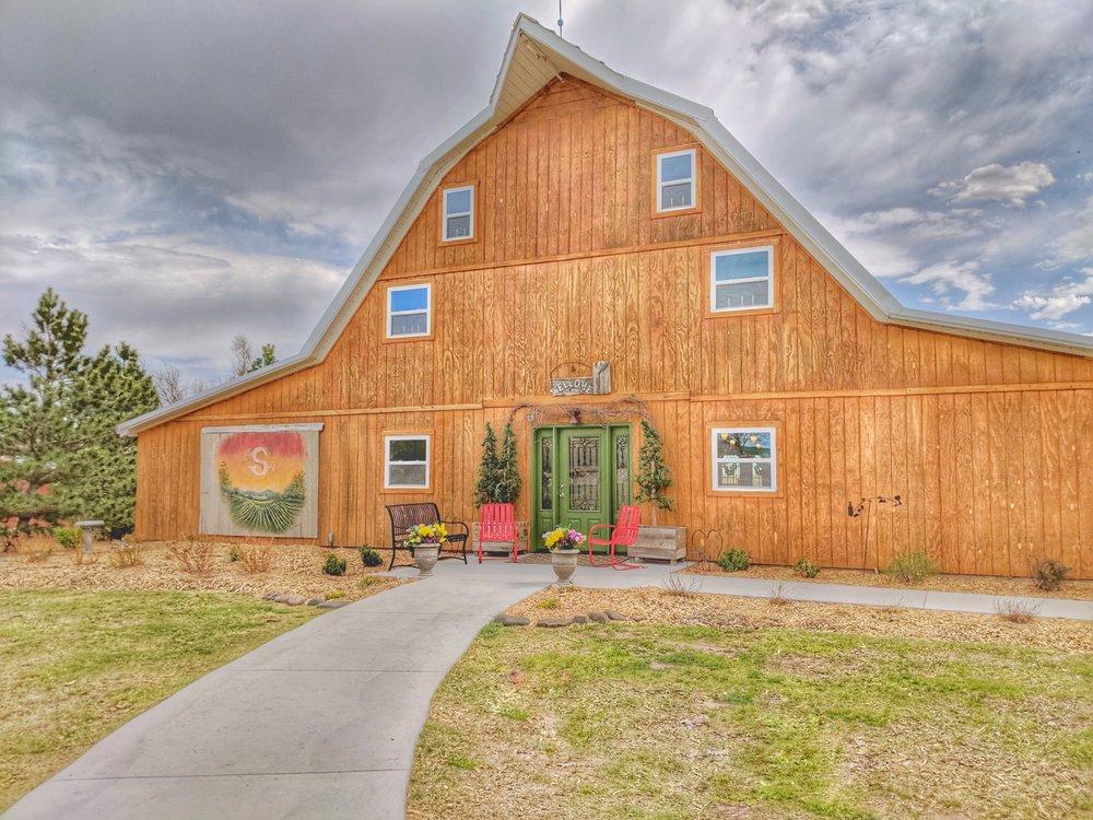 Shiloh Vineyard & Winery: 16079 M Rd, WaKeeney, KS