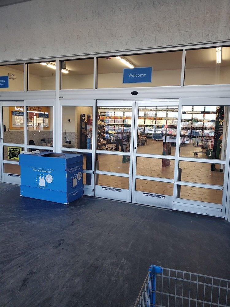 Walmart Supercenter: 2551 32nd Ave S, Grand Forks, ND