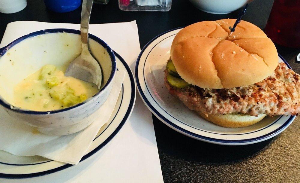 T C's Restaurant & Tavern: 109 N Railroad St, Battle Ground, IN