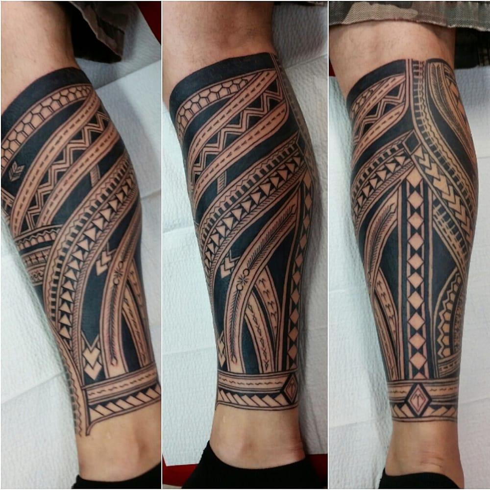 Polynesian leg sock done by neil aka mistercleantat2 yelp for Studio 7 tattoo