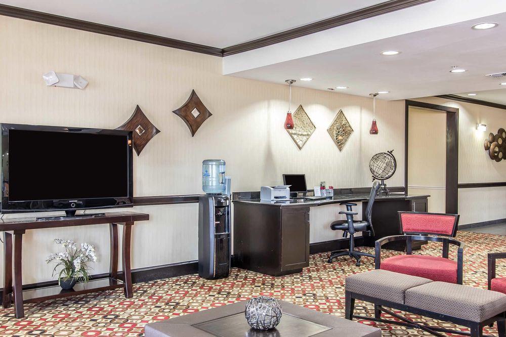 Comfort Suites Lawton Near Fort Sill: 201 SE Interstate Dr, Lawton, OK