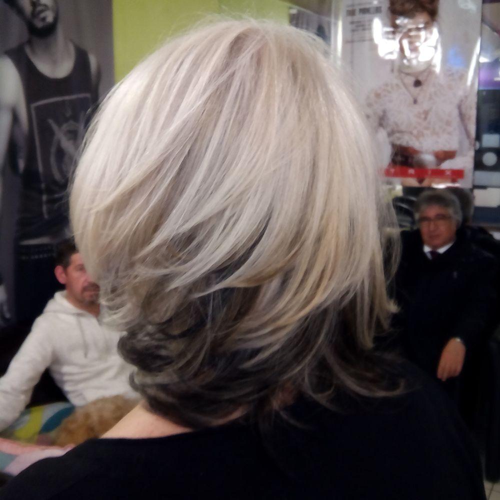 Besoin d hair coiffeurs salons de coiffure 274 rue for Salon de coiffure vincennes