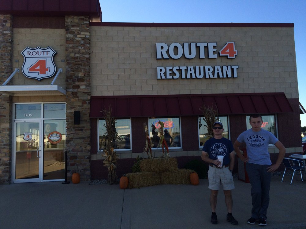 Route 4 Diner: 1563-1693 N Market St, Sparta, IL