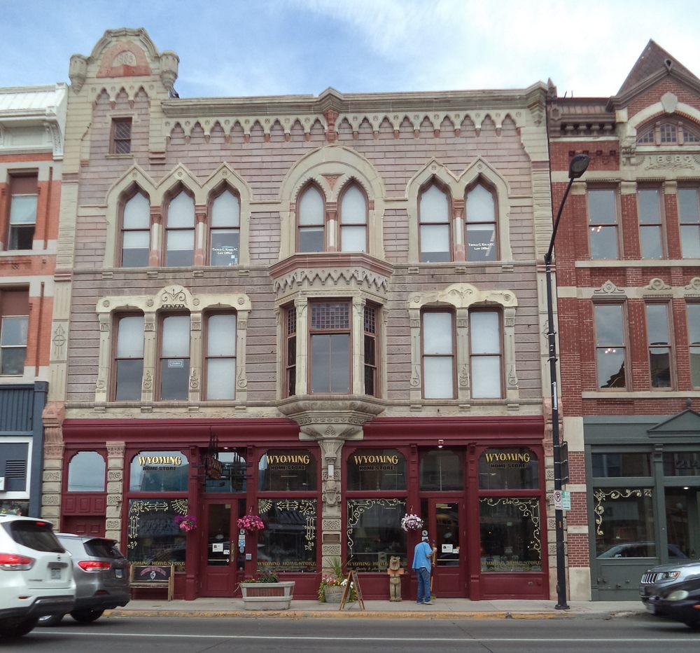 Wyoming Home: 216 W Lincolnway, Cheyenne, WY