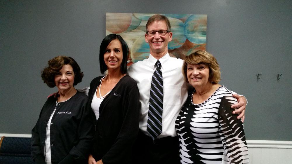 Gavin E Reynolds, DDS: 6360 Village Center Dr, Bealeton, VA