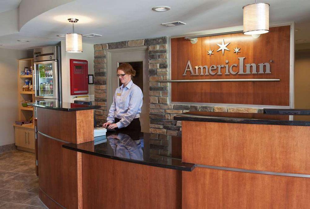 AmericInn by Wyndham Fairfield: 2104 South Main Street, Fairfield, IA