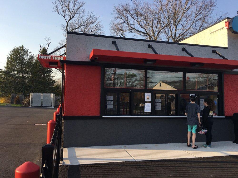 Dot's Home Made Ice Cream & Water Ice: 505 Elm Ave, Woodbury Heights, NJ