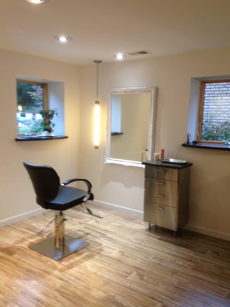 Wow Salon: 425 Evergreen, Ann Arbor, MI