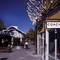 coach premium outlet x541  Photo of Petaluma Village Premium Outlets