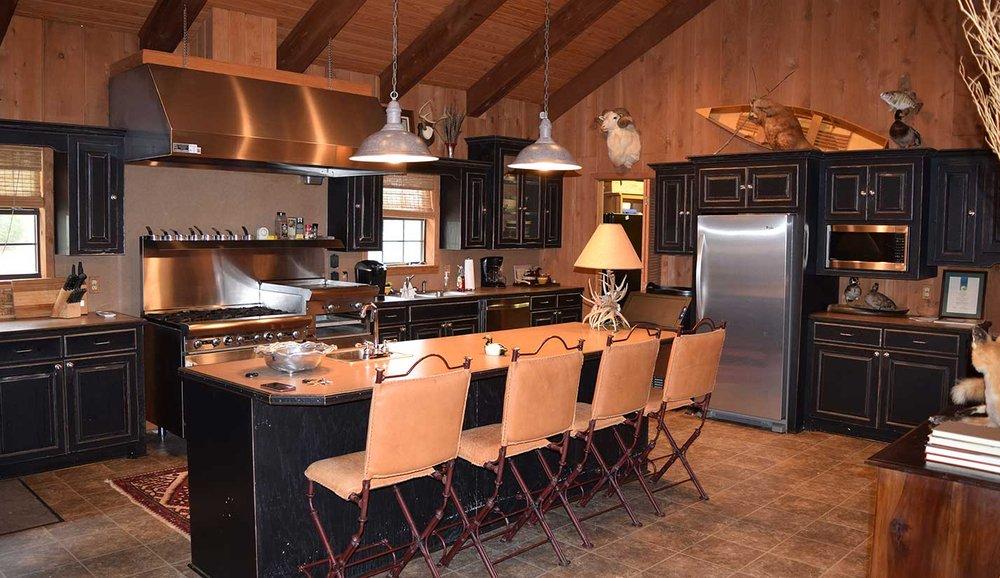 Jelk's Bayou Hunting Lodge: 7932 Clayton Moore Rd, Bastrop, LA