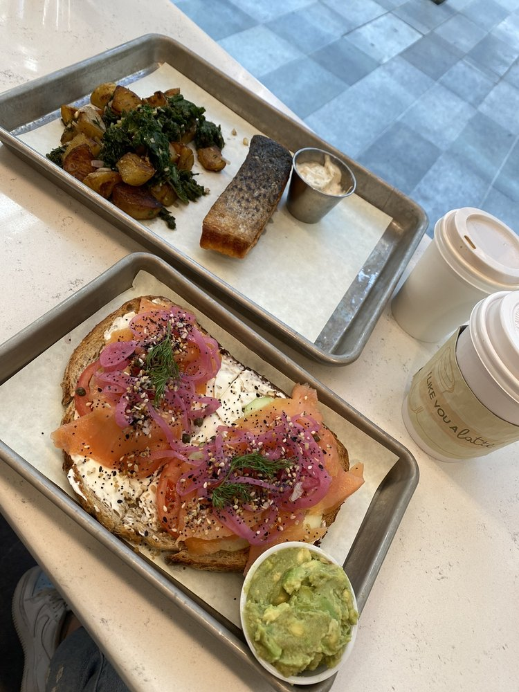 Rise + Thyme Cafe