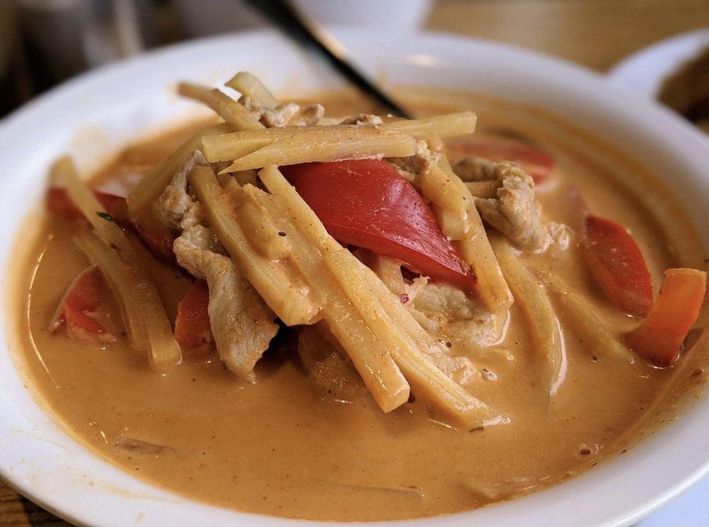 Seng Tong Thai Cuisine: 1713 S Canyon Rd, Ellensburg, WA