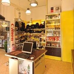 Il fotoamatore negozi e servizi fotografici viale for Negozi arredamento lucca