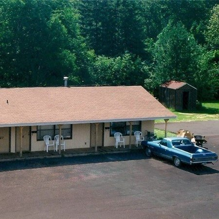Allyndale Motel: 510 N 66th Ave W, Duluth, MN