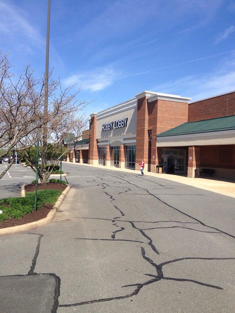 Hobby Lobby: 240 Fort Evans Rd NE, Leesburg, VA