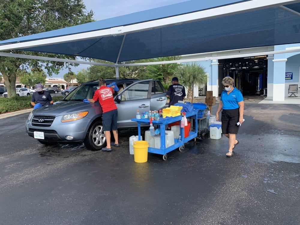 Village Car Wash: 970 Bichara Blvd, Lady Lake, FL