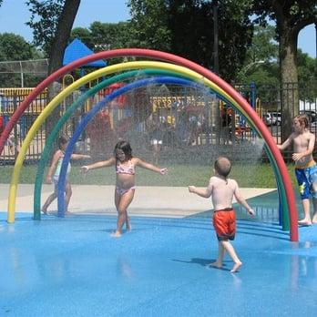 Rosemont Park District Splash Pad Swimming Pools 6140 N Scott St Rosemont Il United